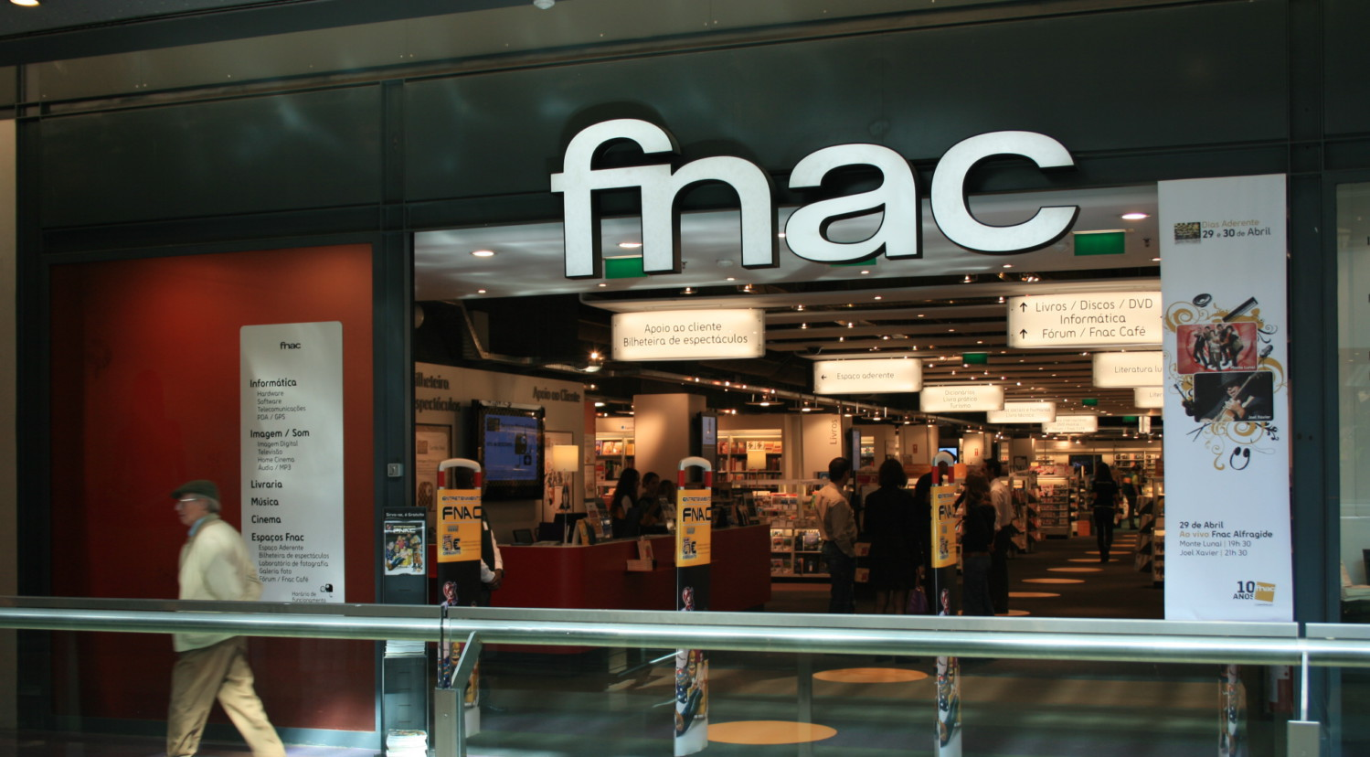 Réactions face aux engagements de Fnac-Darty