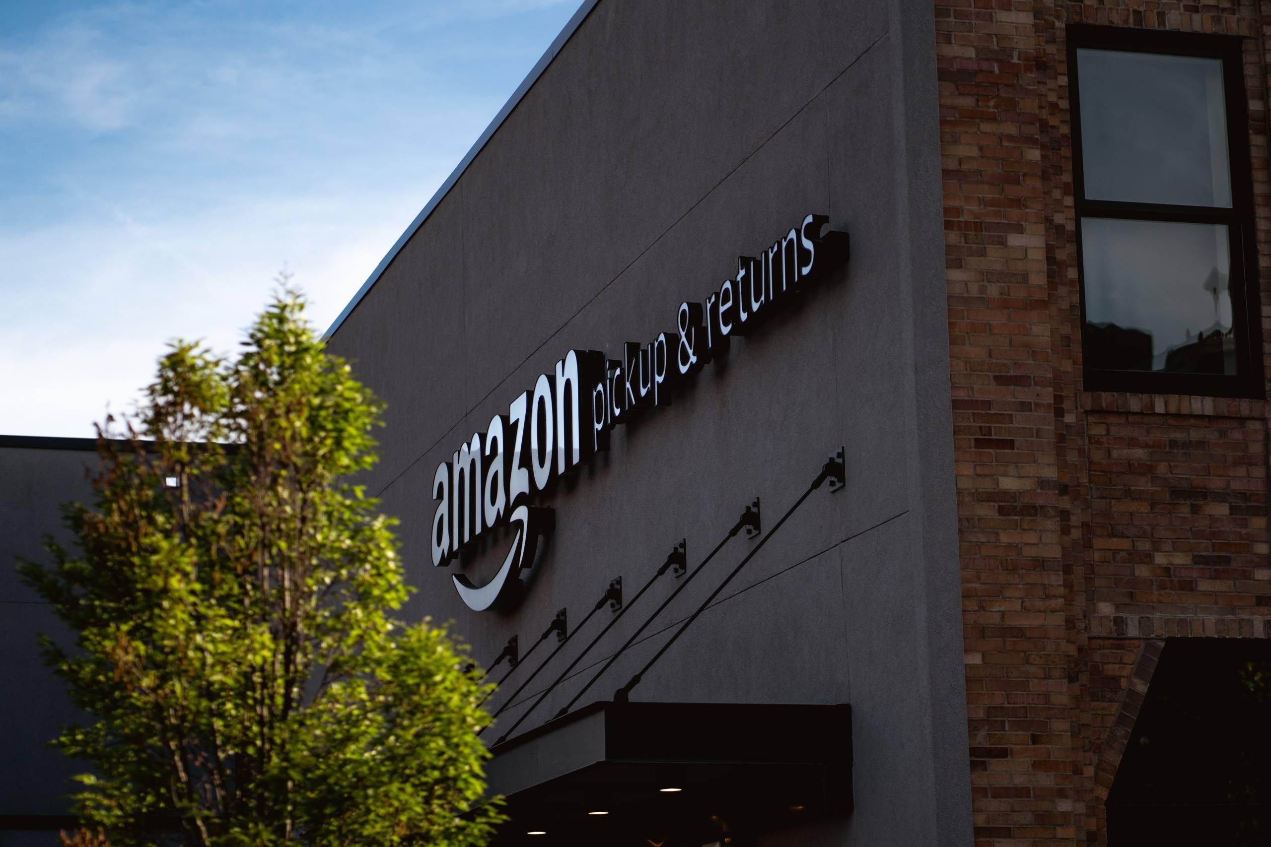 Une plainte pénale contre Amazon pour pratiques commerciales trompeuses déposée par HOP
